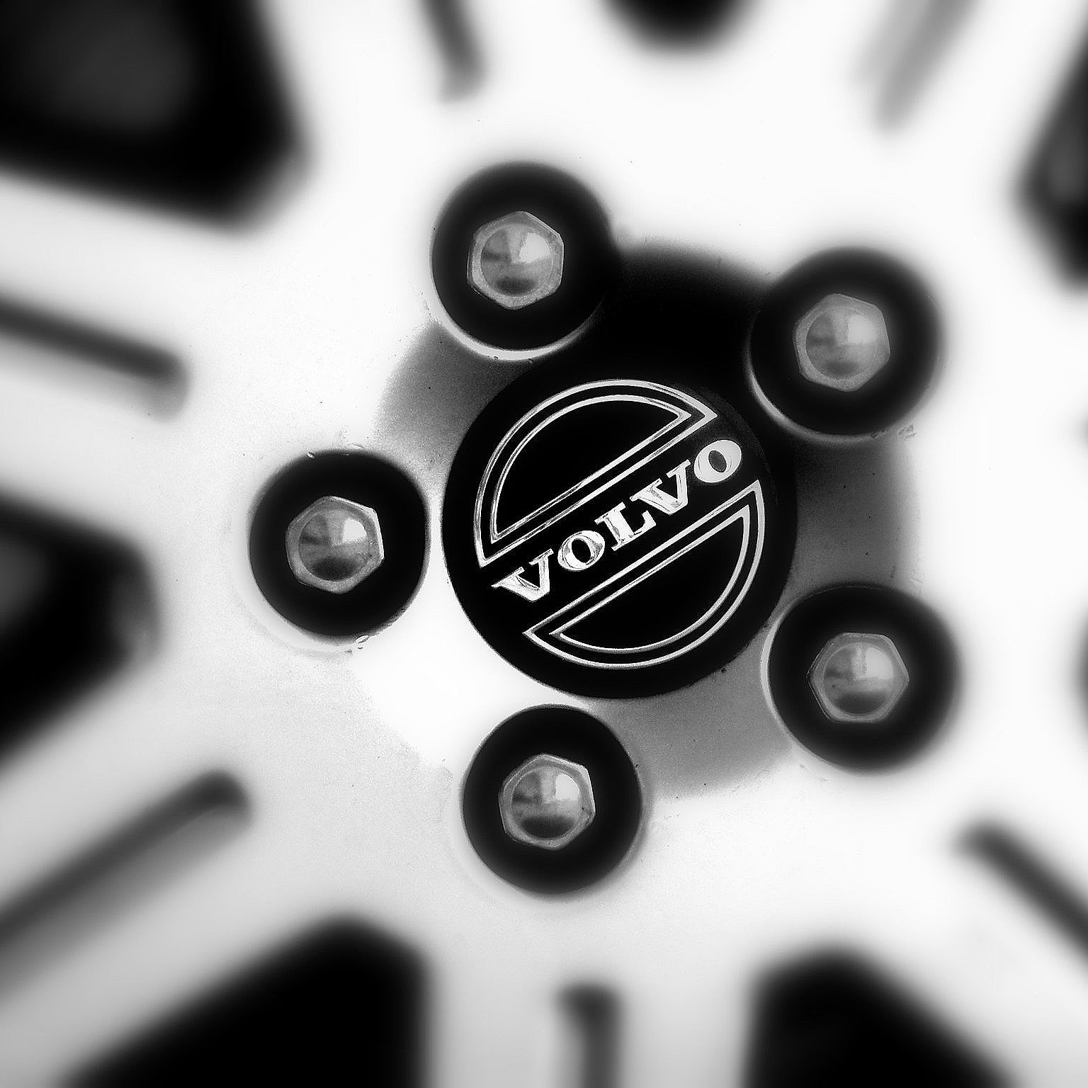 Volvo-wheel-close-up-Popular Mechanix-San-Francisco-auto-car-repair-service.jpg